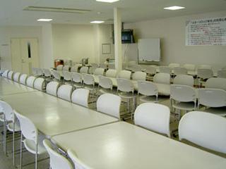 80席の広い食堂